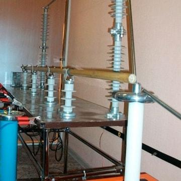 Испытание электроизолирующих штанг